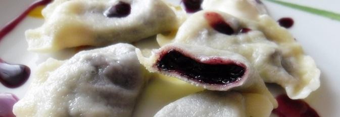 fb3f60f745b9715eab26ba534d056677b83fd3cd-pierogi-aux-myrtilles-dessert-et-gouter-polonais