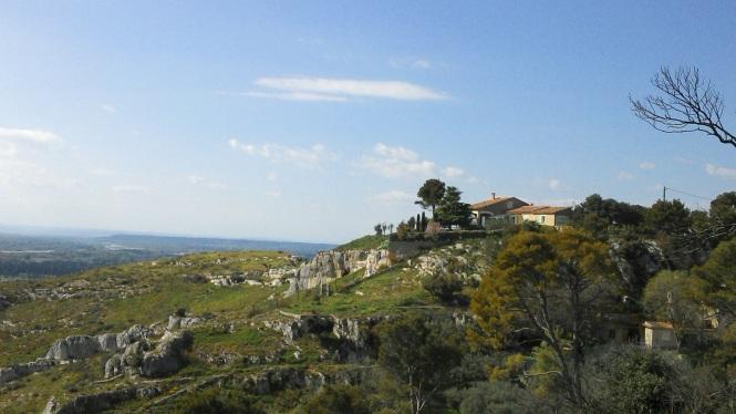 Les hauteurs de Cavaillon et ses villas (photo by TDRR)